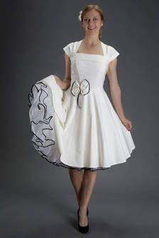 Standesamtkleid - Hochzeitskleid A-linie creme-weiss-farben von SETRINO® Couture aus Berlin