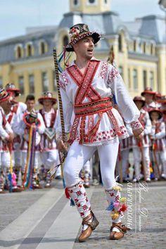 Ukraine, Romanian Flag, Morris Dancing, European Costumes, Transylvania Romania, Folk Clothing, Beautiful Costumes, Folk Costume, People Around The World