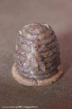Różowa Patera: Ule w trzech smakach Cupcake Cookies, Baked Potato, Baking, Drinks, Ethnic Recipes, Desserts, Food, Polish Food Recipes, Drinking