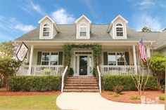 For home listings and estimates for houses for sale in North Carolina, RE/MAX has an excellent database. Read about the 7612 Champlain Rd listing today!