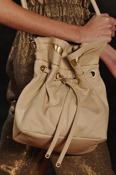 Bolsa Juliana Jabour. Mais acessórios: http://abr.io/2GrE | Fotos Fotosite