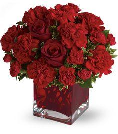 Wedding Centerpiece - Red Cube Vase ♥L O V E♥ these vases!