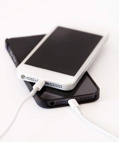 Why You Shouldn't Plug in Your Phone Every Night | Are you making this mistake?