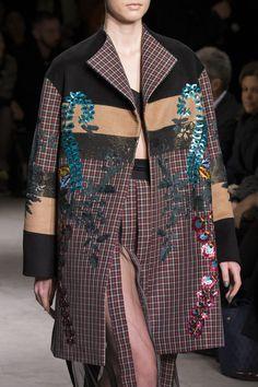 Antonio Marras at Milan Fashion Week Fall 2017 - Details Runway Photos Fall Fashion 2016, Fashion Week, Runway Fashion, High Fashion, Autumn Fashion, Milan Fashion, Plaid Fashion, Vintage Fashion, Antonio Marras