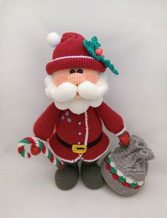 http://www.ravelry.com/patterns/library/santa-13