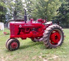 Farmall Super M traktör Antique Tractors, Vintage Tractors, Vintage Farm, Antique Cars, Farmall Super M, Farmall Tractors, Old Tractors, Farm Pictures, Case Ih