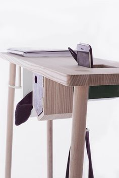 nyaaozawa: Mind the Gap Desktop Storage, Mind The Gap, To My Daughter, Stool, Objects, Scrap, Woodworking, Creative, Work Spaces