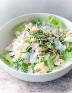 Salad with eggs, radish, sunflower sprouts and almonds Salad Recipes, Healthy Recipes, Delicious Recipes, Easter Recipes, Easter Food, Potato Salad, Food To Make, Good Food, Healthy Eating