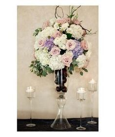 Elegant table arrangements that complement your wedding day style.