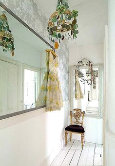 Home of interior design photographer Debi Treloar. originally from lightlocations.com, via Flickr
