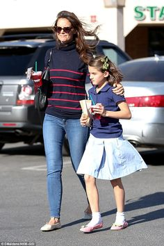 Polished to perfection: Katie Holmes was ever the classic beauty when she stepped out with daughter Suri Cruise in Calabasas on Wednesday Movie Date Outfits, Dance Outfits, Cute Celebrities, Celebs, Girl Fashion Style, Fashion Styles, Celebrity Kids, Katie Holmes, Mom Style