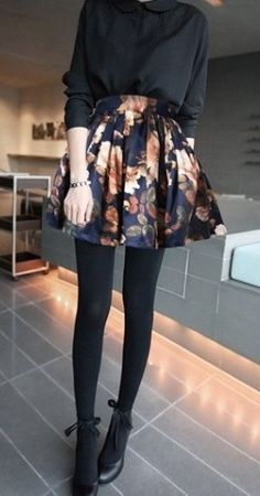 Flower Print Skirt - Love how the entire outfit is monotone besides the print on the skirt Mode Outfits, Fall Outfits, Casual Outfits, Floral Outfits, Night Outfits, Summer Outfits, Fall Dresses, Look Fashion, Womens Fashion
