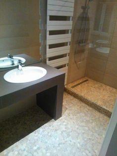 Photo du coin douche douche l 39 italienne r novation de salle de bain h rault r novation - Douche italienne pierre naturelle ...