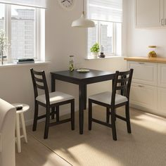 A perfect dining table for a small kitchen or as an accent in a large room. This wood table with beautiful grain patterns will fit in any interior. Table Seating, Wood Table, Dining Room Table, Dining Chairs, Ikea Lerhamn, Table Extensible, Drop Leaf Table, Small Dining, Wood Veneer