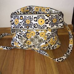 LIKE NEW !! Carry-All Vera Bradley Crossbody Purse Pattern:Go Wild  like-new Crossbody Vera bag with two cell phone pockets front and back with multi pockets inside. NO TRADES Vera Bradley Bags Crossbody Bags