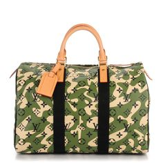 95f972fd41d2 This is an authentic LOUIS VUITTON Monogramouflage Speedy 35. This stylish  limited edition tote is