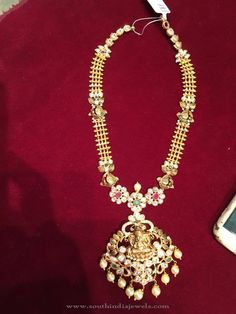 Gold Temple Necklace from Bhavani Jewellers ~ South India Jewels Gold Bangles Design, Gold Earrings Designs, Gold Jewellery Design, Necklace Designs, Bridal Necklace Set, Wedding Jewelry, Gold Temple Jewellery, Gold Jewelry Simple, Gold Haram