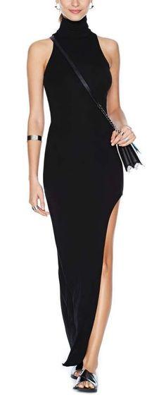 Maxi Dress ==