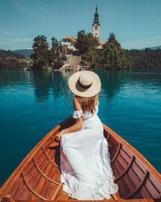 Valami isteni: a tejkaramellás keksz - Nesze!szer Bled Slovenia, Slovenia Travel, Travel Pictures, Travel Photos, Travel Pose, Travel Goals, Lake Bled, Instagram Pose, Instagram Feed