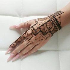 Gorgeous Temporary Tattoos for Ladies Henna Tattoo Designs, Henna Tattoos, Sexy Tattoos, Tribal Henna Designs, Finger Henna Designs, Henna Tattoo Hand, Modern Mehndi Designs, Mehndi Designs For Girls, Mehndi Design Photos