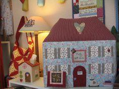 funda maquina de coser y casita pañuelos, los puedes realizar en .... http://molylabores.wordpress.com/