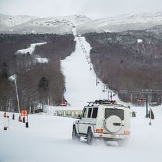 Who needs a lift? Busa is taking the G 63 AMG up to Stowe Mountain Resort, Vermont's highest peak! Mercedes Benz G Class, Mercedes G, G 63 Amg, Busa, Steyr, Mountain Resort, Four Wheel Drive, Defenders, Royalty