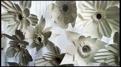Olofskapel bruiloft, witten papieren bloemen
