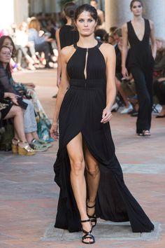 Alberta Ferretti Spring 2018 Ready-to-Wear  Fashion Show - Isabeli Fontana