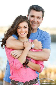 JW Henderson Portraits Father daughter senior picture pose  www.jwhenderson.com
