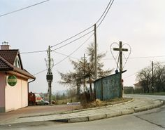 Mark power - photos of everyday urban landscapes + others in colour. Maybe a SAFE PLACE British Journal Of Photography, Film Photography, Photography Sketchbook, Documentary Photography, Contemporary Photography, Contemporary Landscape, Magnum Photos, Nuka World, New Topographics