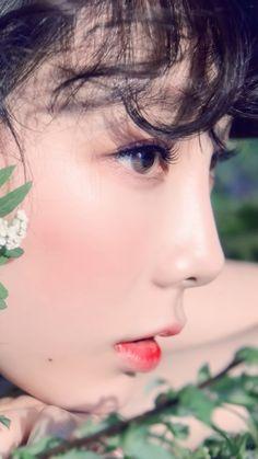 Even more prettier Girls Generation, Girls' Generation Taeyeon, Kpop Girl Groups, Kpop Girls, My Girl, Cool Girl, Kim Tae Yeon, Spring Makeup, Ulzzang Girl