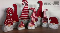 Decorating for Christmas: Decorating Your Whole Home - Trend.- Decorating for Christmas: Decorating Your Whole Home – Trend Pins Decorating for Christmas: Decorating Your Whole Home – - Christmas Wood Crafts, Christmas Gnome, Christmas Signs, Christmas Art, Christmas Projects, Holiday Crafts, Christmas Decorations, Christmas Ornaments, Nordic Christmas