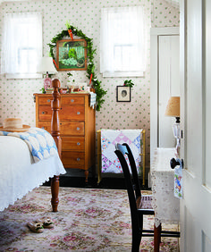 Artist and writer Susan Branch creates a real-life world of holiday magic in her Martha's Vineyard home. Find cozy inspiration in Susan's 2013 Christmas house tour. Cozy Room, Cozy Bed, Branch Art, My Ideal Home, Grey Bedding, Cottage Homes, Bedroom Decor, Bedroom Ideas, Bedroom Inspiration