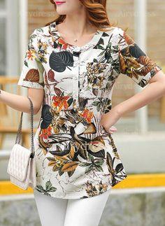 Tremendous Sewing Make Your Own Clothes Ideas. Prodigious Sewing Make Your Own Clothes Ideas. Kurta Designs, Blouse Designs, Casual Dresses, Fashion Dresses, Cute Fashion, Womens Fashion, Blouse Styles, Cotton Dresses, Dress Patterns