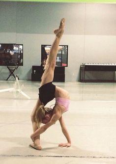 Yo tengo calor cuando yo bailo.