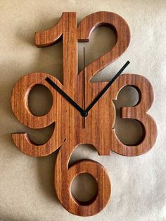 Clock made from jatoba : woodworking Wall Clock Wooden, Wood Clocks, Wooden Art, Wood Shop Projects, Wooden Projects, Wood Crafts, Woodworking As A Hobby, Easy Woodworking Projects, Woodworking Supplies