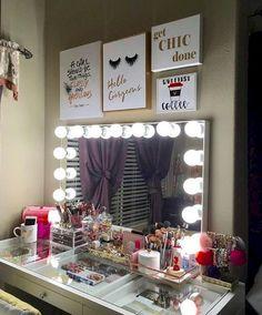 Trendy Bedroom Desk Organization Make Up Mirror Walk In Closet Inspiration, Makeup Rooms, Makeup Desk, Makeup Stuff, Makeup Tips, Bedroom Desk, Mirror Bedroom, Vanity Decor, Vanity Ideas