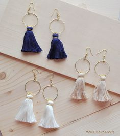Create unique tassel earrings for yourself or as a thoughtful gift. Here are the most creative DIY tassel earring ideas to choose from. Read Stylish & Easy DIY Tassel Earrings You'll Be Proud to Wear Diy Jewelry To Sell, Jewelry Crafts, Jewelry Making, Earrings Crafts, Bead Crafts, Gold Diy, Girls Jewelry, Fine Jewelry, Women's Jewelry