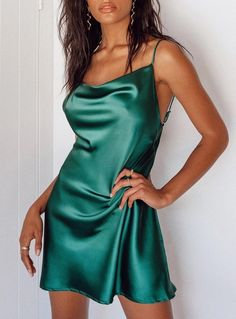 Hoco Dresses, Satin Dresses, Club Dresses, Clubbing Dresses, Teen Dresses, Club Outfits, Prom Dress, Green Satin Dress, Short Green Dress