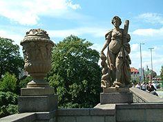 Puppenbruecke Lübeck