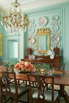Grand Manor house style dining room
