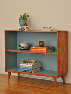Before and After: Mid-Century Bookcase Makeover - Shelf Bookcase - Ideas of Shelf Bookcase - Do this with the boys old bookcases! Before and After: Mid-Century Bookcase Makeover Curbly Mid Century Modern Bookcase, Mid Century Modern Design, Mid Century Modern Furniture, Midcentury Modern, Modern Lamps, Contemporary Furniture, Mid Century Sideboard, Contemporary Architecture, Furniture Projects