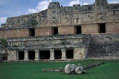 Uxmal Maya ruins pictures.Travel pictures México. Photography gallery of Uxmal, Fotos de Uxmal. Ruinas Mayas de Méjico, Yucatán
