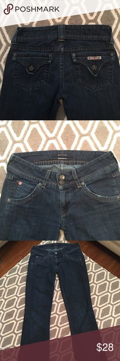 """HUDSON Jeans Classic Hudson Flap Pocket Size 26 Inseam: 31"""" - Rise: 7 1/2: - Outer Seam: 38 3/4 - Waist measured across: 15 1/4"""" (doubled = 30 1/2"""") - Hip (estimate): 18 1/4 - Flare: 8 5/8"""" - Stretch: Medium - Pre-loved 💜 Please message me if you have questions or if you would like any additional information on these! Hudson Jeans Flare & Wide Leg"""