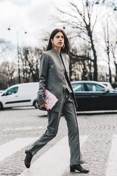 8 outfits από τη Man Repeller για να αλλάξετε στυλ αυτή τη σεζόν | μοδα , συμβουλές μόδας | ELLE