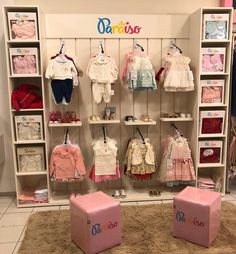 Fashion Shop Interior, Clothing Boutique Interior, Shop Interior Design, Shoe Store Design, Clothing Store Design, Kids Clothing Rack, Clothing Store Displays, Baby Store Display, Store Layout