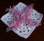 The Rag Quilt Join, AKA the Fringe Join for Granny Squares