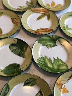 Ana R 2017 Hand Painted Pottery, Pottery Painting, Ceramic Painting, Ceramic Pottery, Ceramic Art, Decoupage Vintage, China Painting, Dinnerware Sets, Porcelain Ceramics