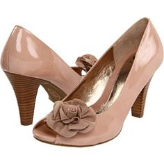 Sofft Gijon Women's Toe Open Shoes - I have these shoes. amazingly comfortable, can dance all night and has a substantial heel. Bridesmaid Shoes, Dusty Pink, Pale Pink, Beautiful Shoes, Dress Me Up, Discount Shoes, Me Too Shoes, Kitten Heels, Peep Toe