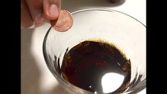 How to Clean Old Pennies and Coins with Coke. Learn how to make an old penny shine again. Could make an easy science project for kids! Fun Projects For Kids, Science Projects For Kids, Science Experiments Kids, Kids Crafts, How To Clean Chrome, Cleaning Chrome, Coke, Pennies, Activities